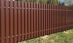 забор из металлического штакетника купить с установкой в москве